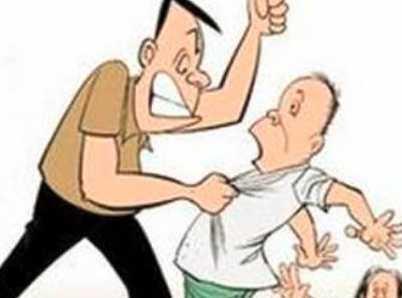 继父操我妈_他把6 旬继父打出家门:25 年前你就是这样打我和我妈的