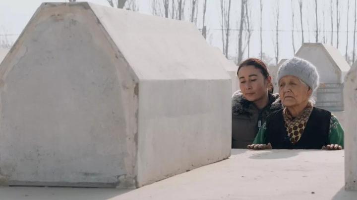 """独家!CGTN探访新疆墓园,攻破西方""""故意毁坏维族人坟墓""""谎言"""
