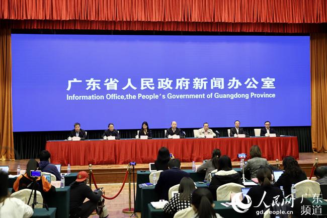 广东省疫情防控例行新闻发布会侧记:权威信息跑在谣言前面