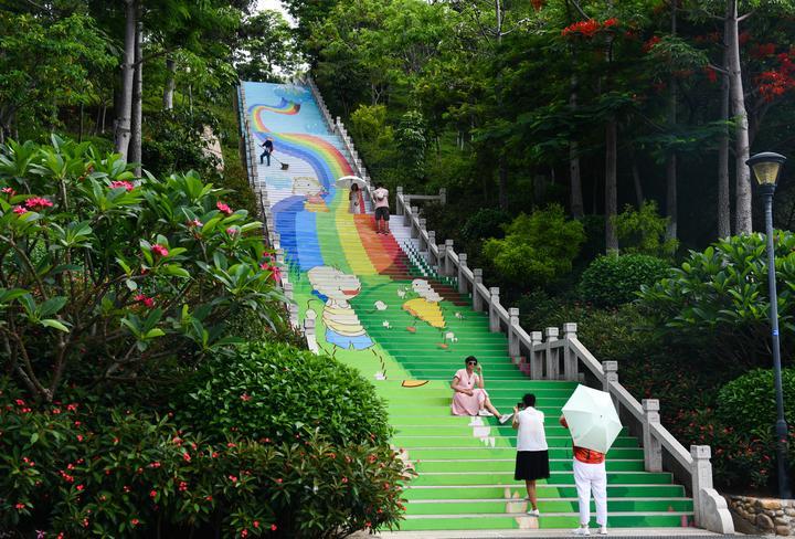 快来厦门薛岭山公园彩虹云梯,下一个网红就是你!
