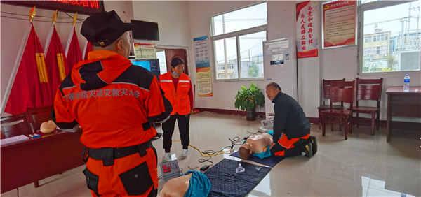 安徽省防灾减灾救灾协会救援队走进怀远县吴桥村