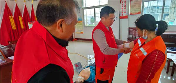 怀远县白莲坡镇公益协会救援队举办应急救护培训活动